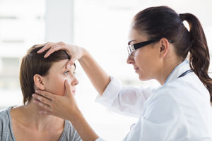 woman undergoes EMDR therapy with doctor